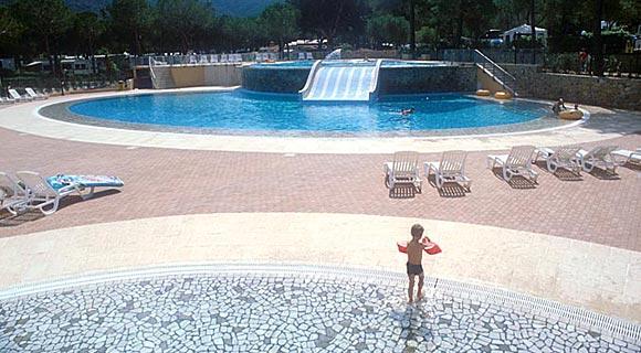 Günstige Schwimmbäder: Camping, Wohnungen Und Bungalow In Marina Di